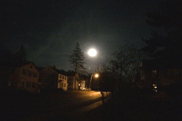moon-at-night-on-silver-street