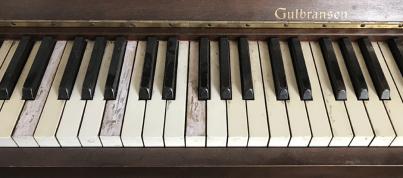 Kelly's-piano
